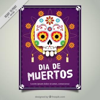 Livreto do crânio mexicano com flores e velas