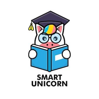 Livro de leitura de unicórnio fofo com óculos e chapéu de formatura