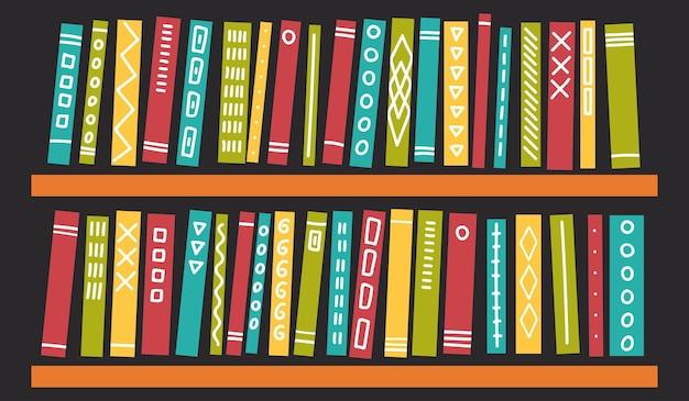 Livros com enfeites em prateleiras em fundo escuro