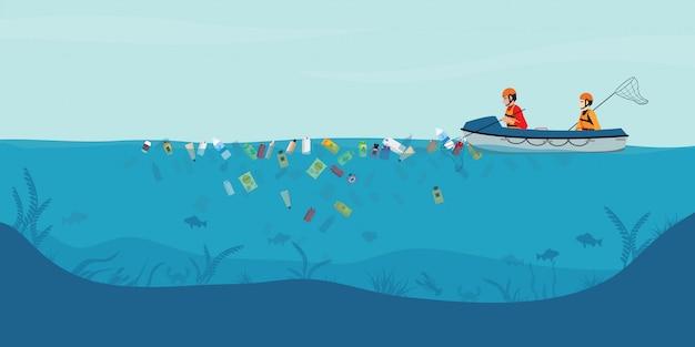 Lixo flutuando na água, voluntários masculinos vasculham o mar ou o oceano no barco.