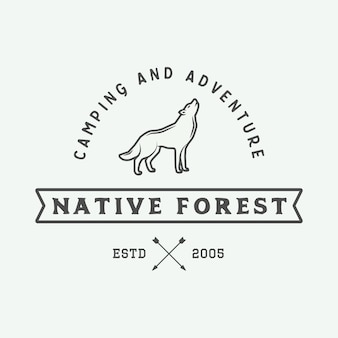 Logotipo ao ar livre de acampamento