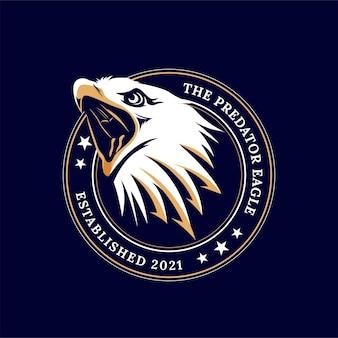 Logotipo da cabeça de águia zangada com boca aberta