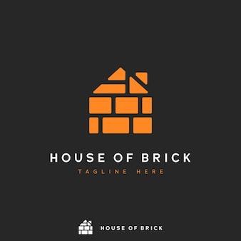 Logotipo da casa de tijolo, pilha de forma de tijolo laranja no logotipo de ícone de conceito de forma de casa