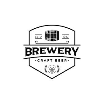 Logotipo da empresa cervejeira. logo cervejaria. vetor de logotipo de cervejaria vintage