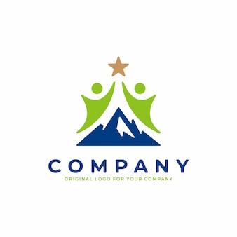 Logotipo da empresa com o conceito de homem alcançando uma estrela