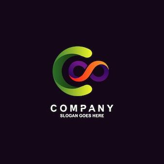 Logotipo da letra c e infinito