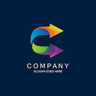 Logotipo da letra c e setas