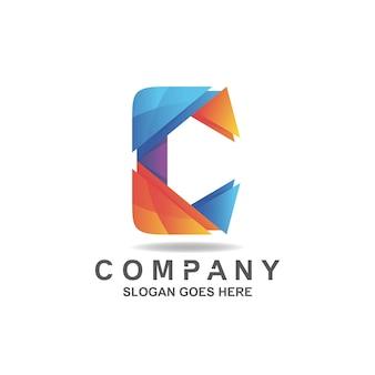 Logotipo da letra c gradiente colorido