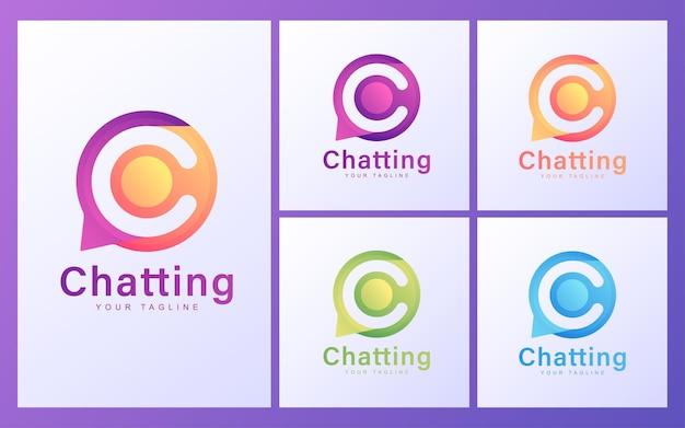 Logotipo da letra c nas bolhas do bate-papo. conceito de logotipo moderno para bate-papo