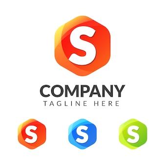 Logotipo da letra s com forma geométrica colorida