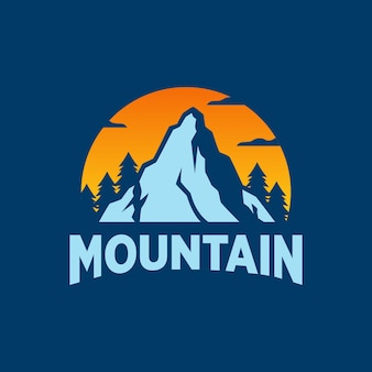 Logotipo da mountain outdoor adventure