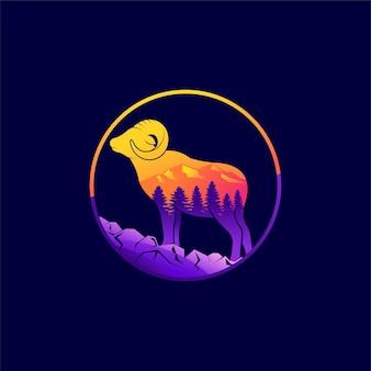 Logotipo da ovelha selvagem com elemento de montanha