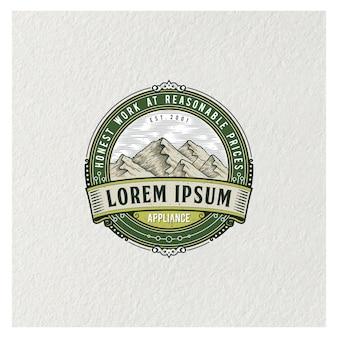 Logotipo das montanhas emblema qualidade premium