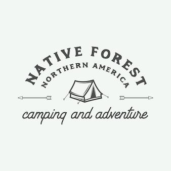 Logotipo de acampamento ao ar livre e aventura
