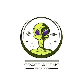 Logotipo de alienígenas verdes. ilustração