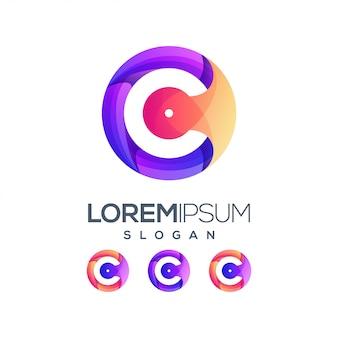 Logotipo de cor gradiente de inspiração letra c