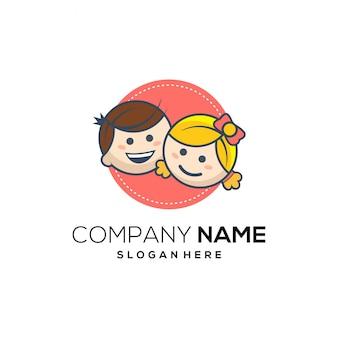 Logotipo de desenhos animados de sorriso de crianças
