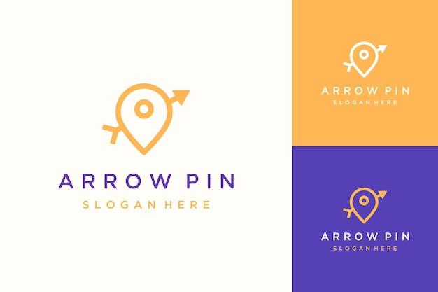 Logotipo de design de pino simples com setas