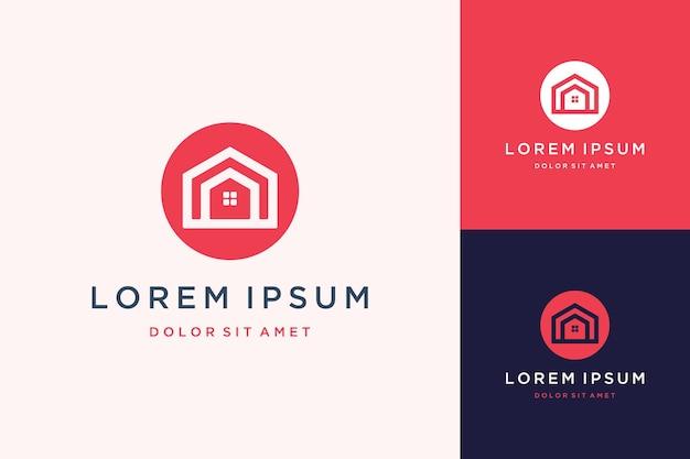Logotipo de design exclusivo ou casa com um círculo