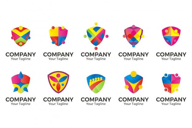 Logotipo de escudo de comunidade de pessoas.
