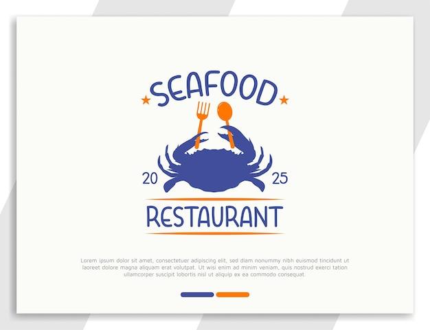 Logotipo de frutos do mar frescos com ilustração de caranguejo segurando colher e garfo