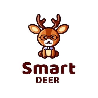 Logotipo de garoto de veado inteligente