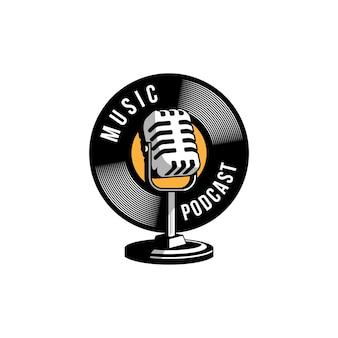 Logotipo de karaokê vocal de podcast ou cantor com microfone retrô e ícone de vinil.