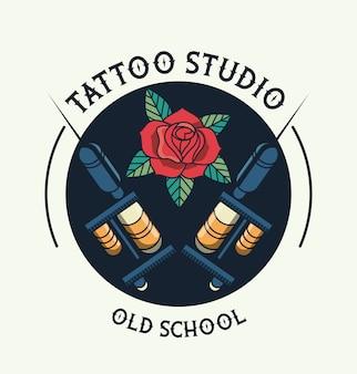 Logotipo de máquinas de estúdio de tatuagem com rosa