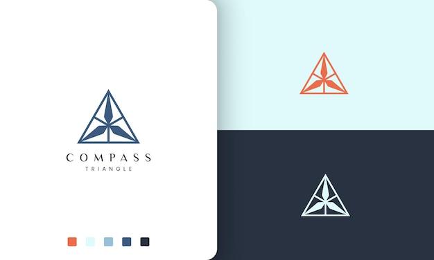 Logotipo de navegação ou aventura com um triângulo simples e moderno em forma de bússola