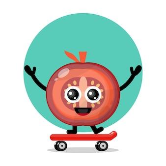 Logotipo de personagem fofa de tomate skate