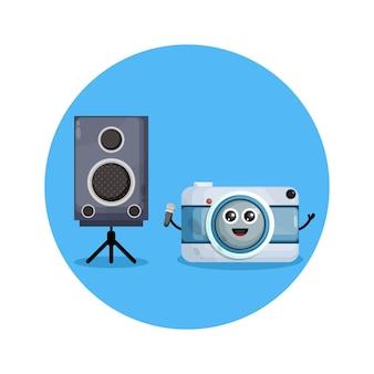 Logotipo de personagem fofo da câmera de karaokê