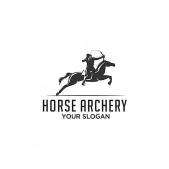 Logotipo de silhueta de tiro com arco de cavalo