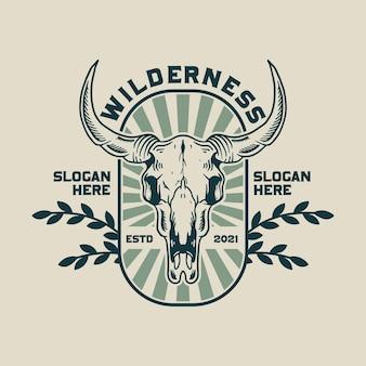 Logotipo do crânio de búfalo na selva