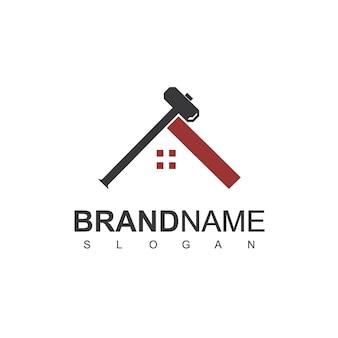 Logotipo do desenvolvedor imobiliário com símbolo de martelo e telhado