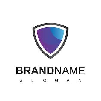 Logotipo do escudo, seguro cibernético e símbolo forte