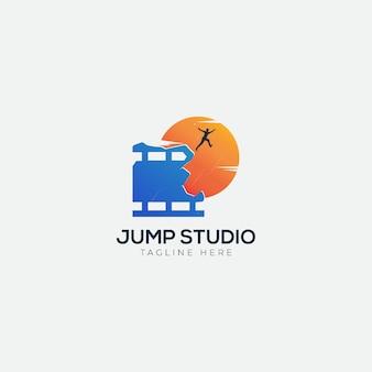 Logotipo do jump hill studio