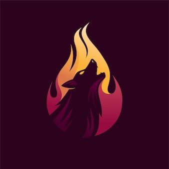 Logotipo do lobo com conceito de chamas