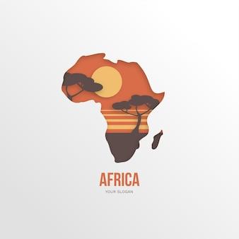 Logotipo do mapa africano com árvores ao pôr do sol