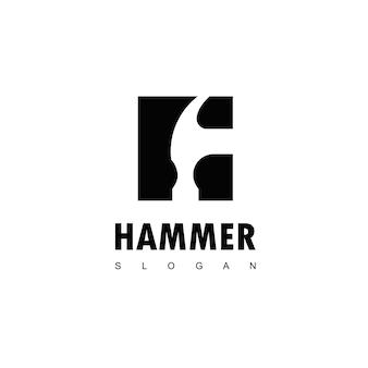 Logotipo do martelo para construção, manutenção e reparos domésticos