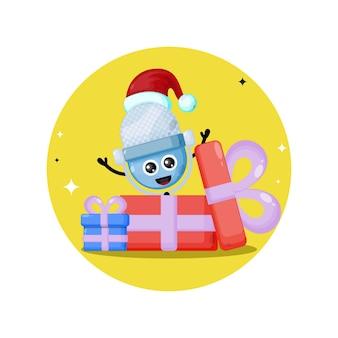Logotipo do personagem fofinho do presente do microfone de natal
