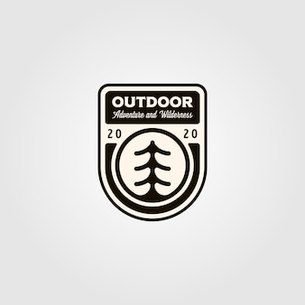 Logotipo do pinheiro ao ar livre