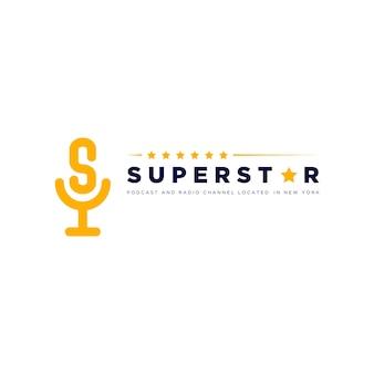 Logotipo do podcast superstar com design de microfone e letra s para seu podcast ou vetor de canal de rádio