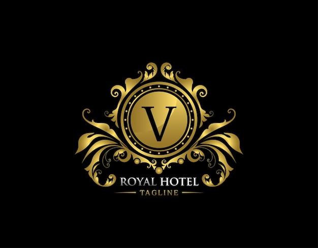 Logotipo dourado da letra real de luxo v
