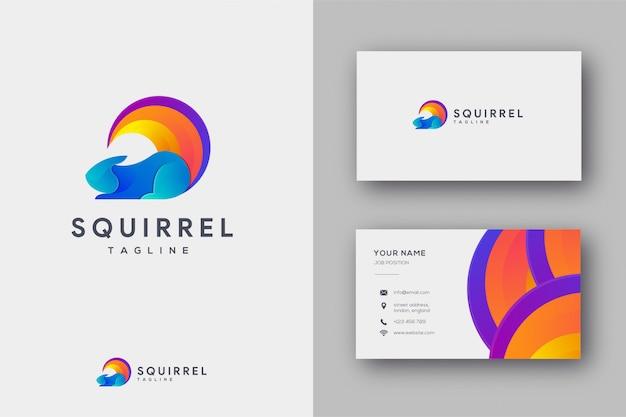 Logotipo e cartão abstratos do esquilo