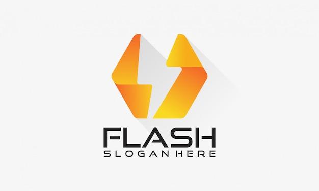 Logotipo flash, projetos do conceito do poder da eletricidade do trovão