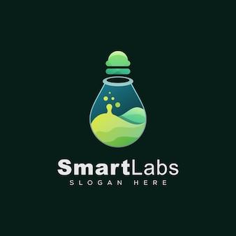 Logotipo impressionante laboratório inteligente, lâmpada com modelo de design de logotipo líquido