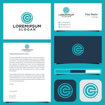 Logotipo inicial c ou e no círculo com cartão de visita