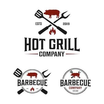 Logotipo vintage de empresa de churrasco com espátula e garfo