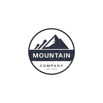 Logotipo vintage de montanha