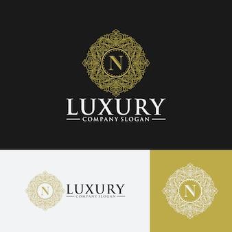 Logotipo vintage e de luxo